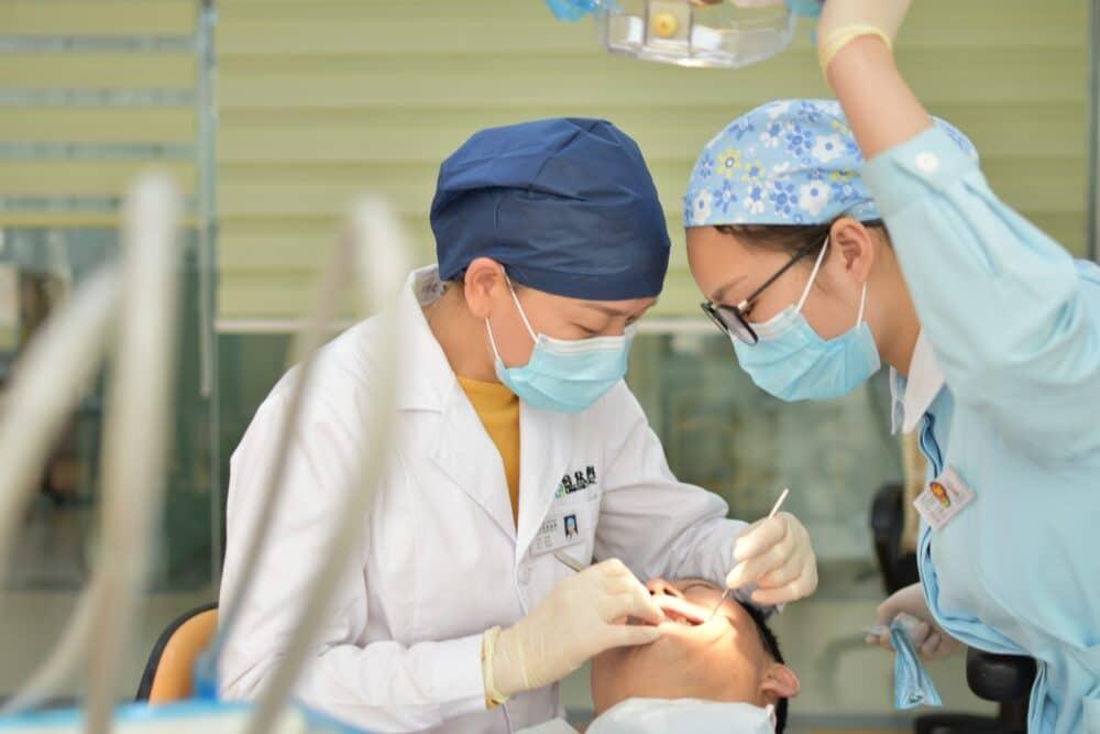 한국에서 진료많은 질병 1위는? 치주질환!
